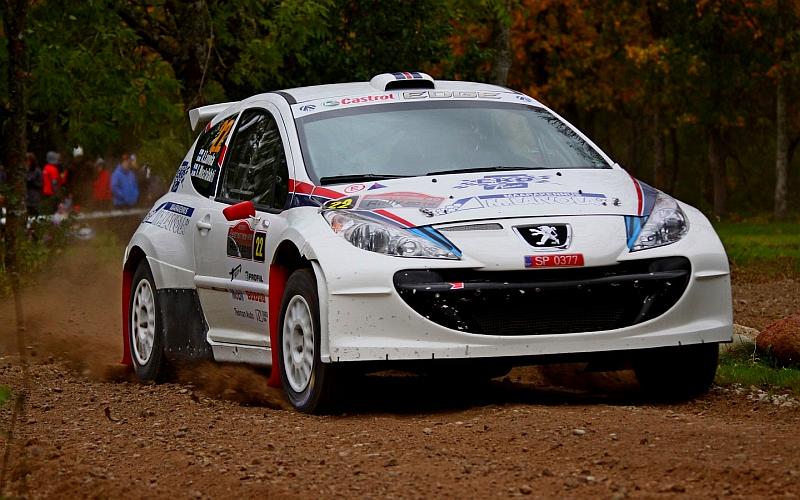 Ari Laivola ja Kari Mustalahti olivat liikkeellä kuvankauniilla Peugeot 207 S2000:lla.