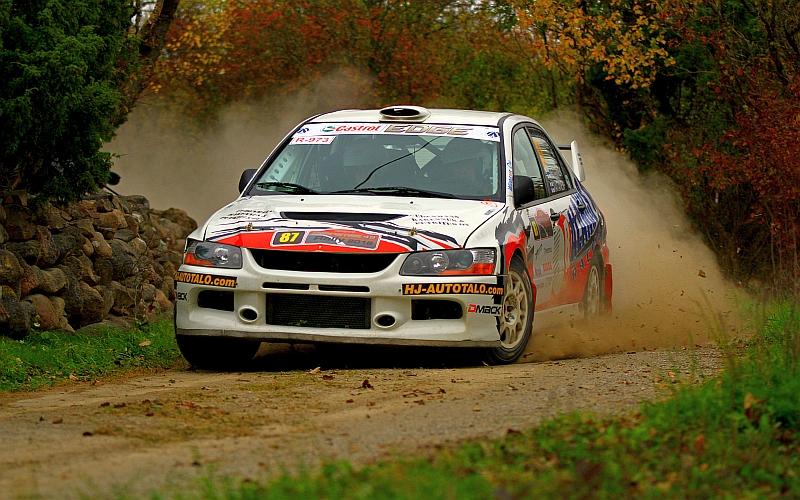 Eerik Pietarinen ja Juhana Raitanen sijoittuivat yleiskilpailussa neljänneksi ja EMV1-luokassa toiseksi.
