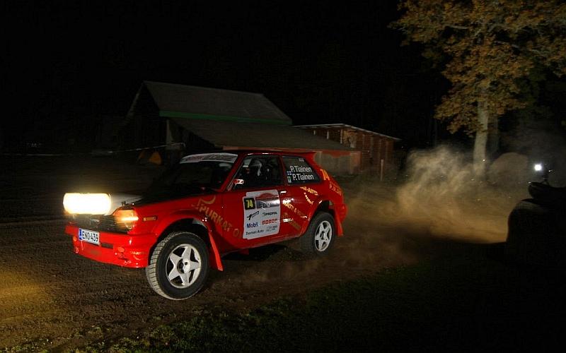 Pasi Tiainen ja Pentti Tiainen täydensivät suomalaisten kaksoisvoiton EMV5-luokassa ajamalla toiseksi.