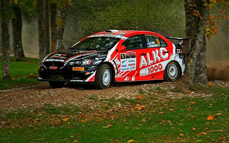 Saarenmaa-rallissa yleiskilpailun voittoon ajoi virolainen Siim Plangi lähes minuutin voittomarginaalilla.